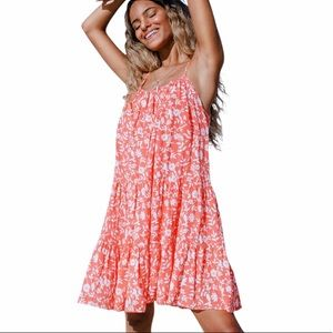 NWT - DANI TIERED FLORAL DRESS by Cupshe